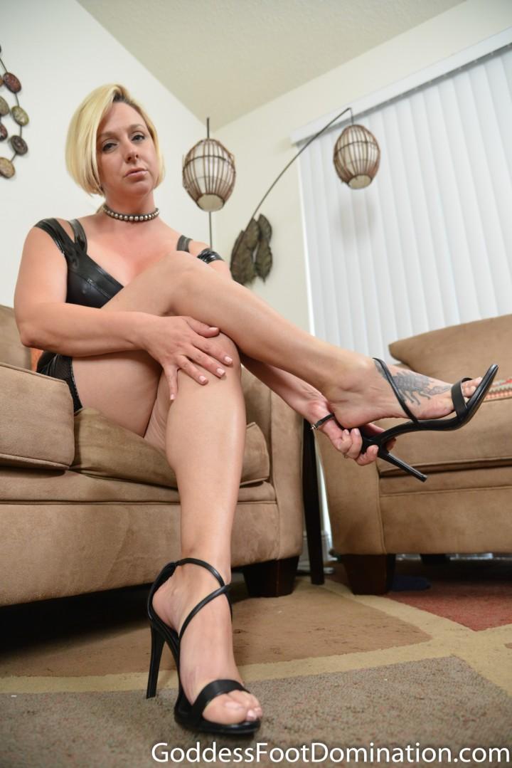 Lesbian Tied Foot Worship